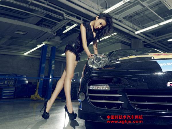 极致美女挑逗英朗跑车